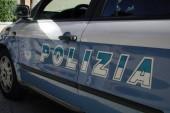 La polizia arresta un ladro d'auto e denuncia una donna per detenzione di droga