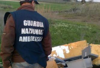 Scovata discarica di rifiuti pericolosi in agro di Cerignola   Foto