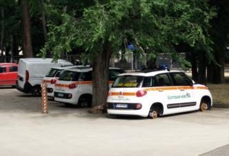 Cerignola, rubate le ruote delle auto di Sanitaservice